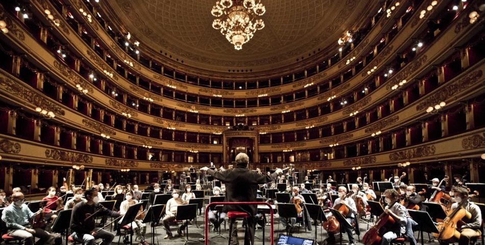 Il teatro italiano A riveder le stelle:  la serata scaligera coinvolge la prosa