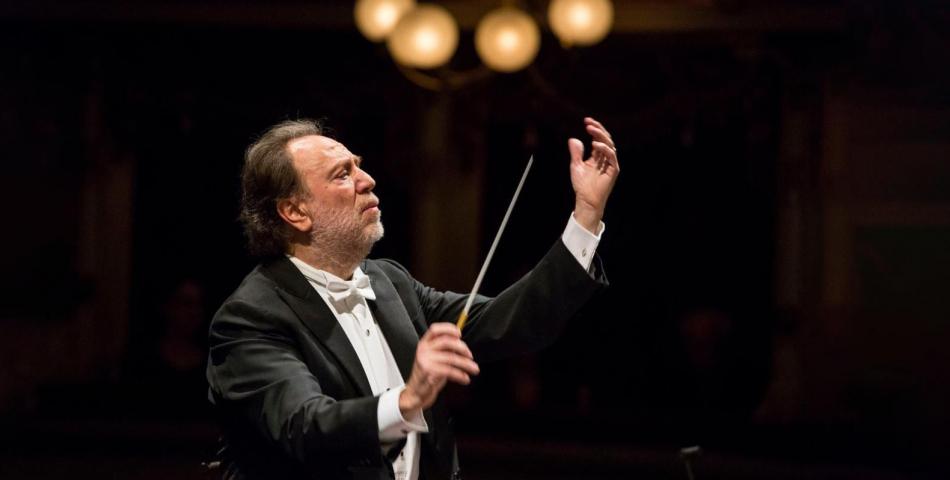Riccardo Chailly dirige la Messa da Requiem di Verdi  in memoria delle vittime dell'epidemia