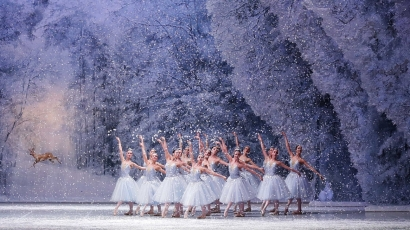 Lo Schiaccianoci (George Balanchine's The Nutcracker)